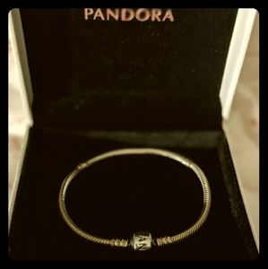 Pandora snake bracelet- excellent condition